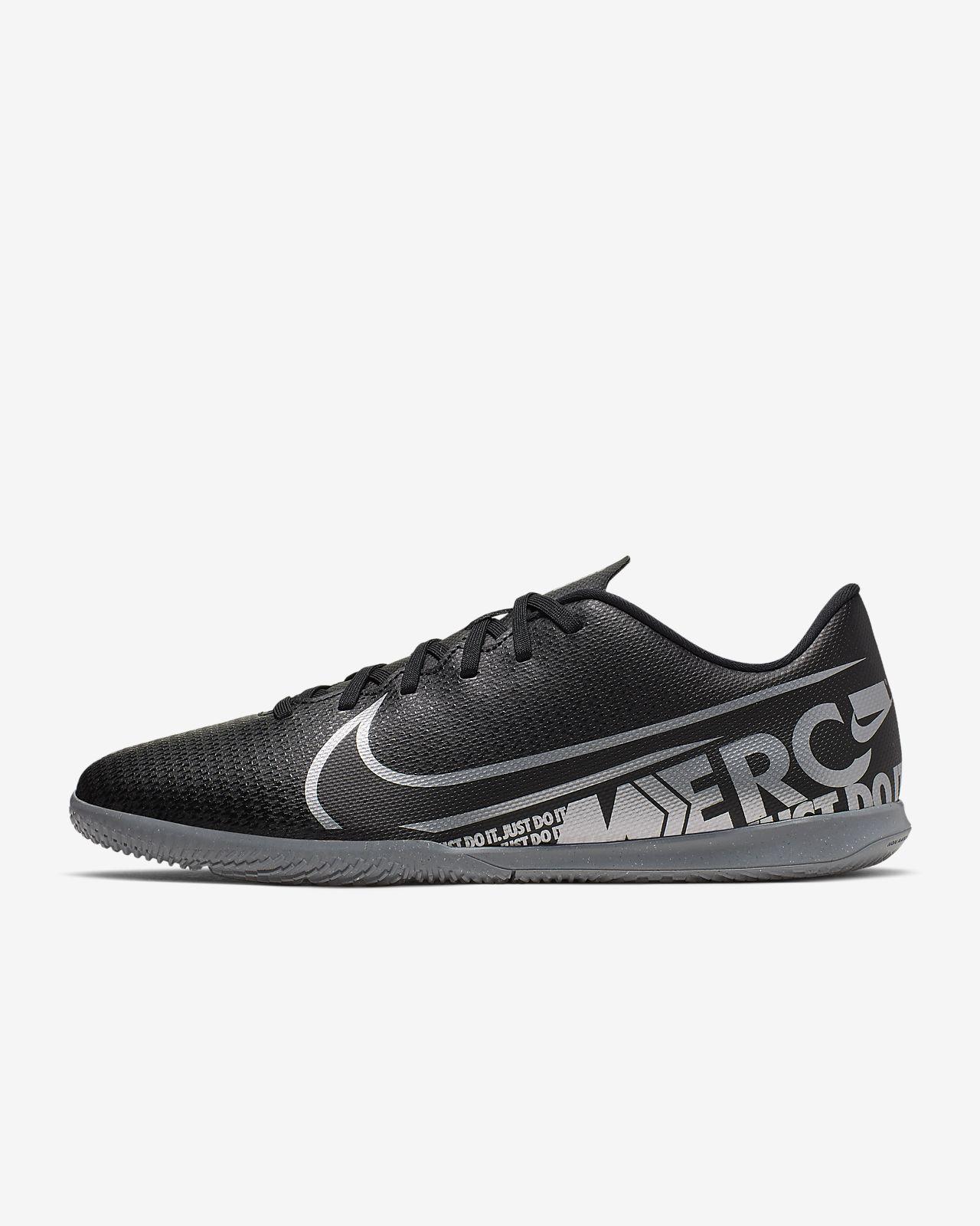 Nike Mercurial Vapor 13 Club IC Indoor Court Football Shoe