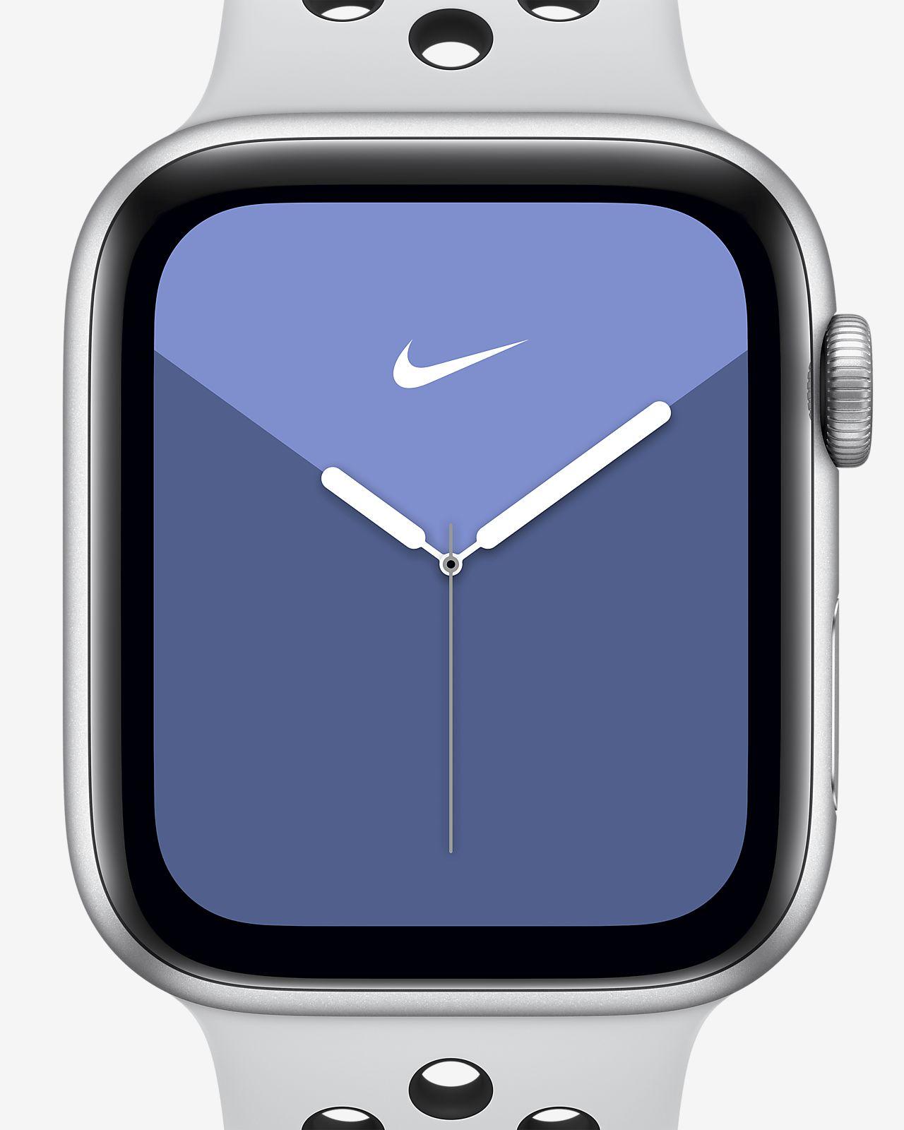 Apple Watch Nike Series 5 (GPS) mit Nike Sportarmband 44-mm-Gehäuse in Silver Aluminum