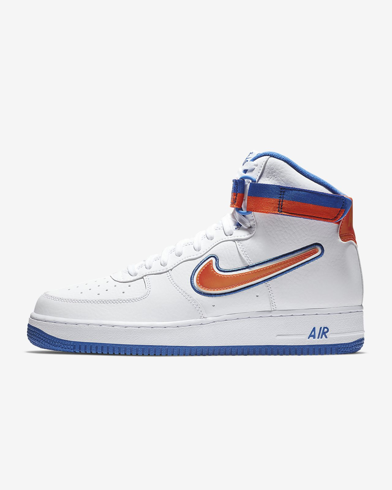 2a4102860bed Nike Air Force 1 NBA High (New York Knicks) Men s Shoe. Nike.com