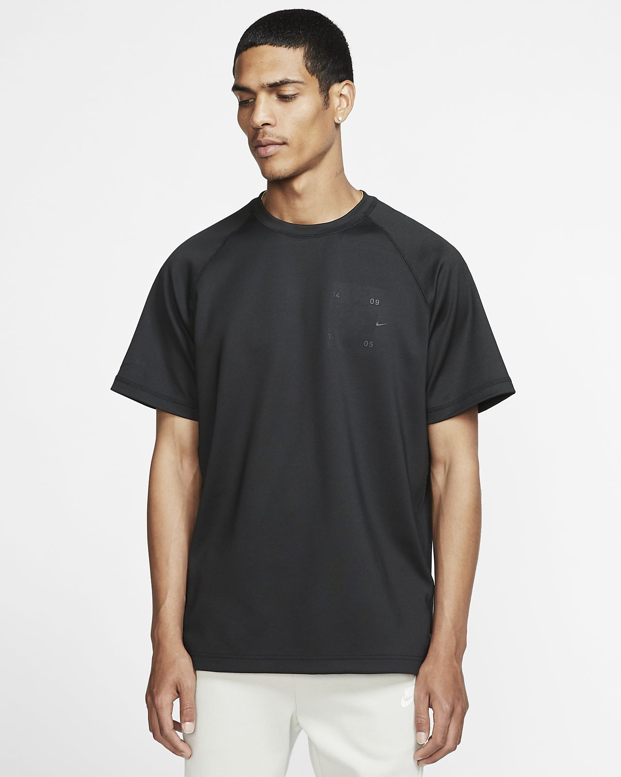 Ανδρική κοντομάνικη μπλούζα Nike Sportswear Tech Pack