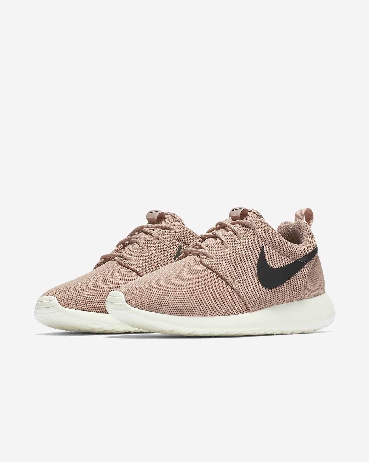 Nike Roshe Une Femme Pulls En Vente