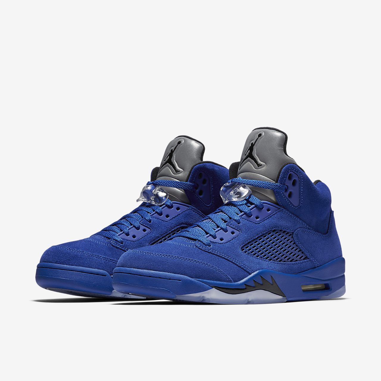 Jordan Shoes & Sneakers () With a legacy dating back to , Nike Air Jordan sneakers have been a cultural staple for decades and continue to provide new styles and innovations alongside retro editions. Show love and respect for the history of flight with a pair of iconic Jordan shoes. Air Jordan 5 Retro. Men's Shoe.