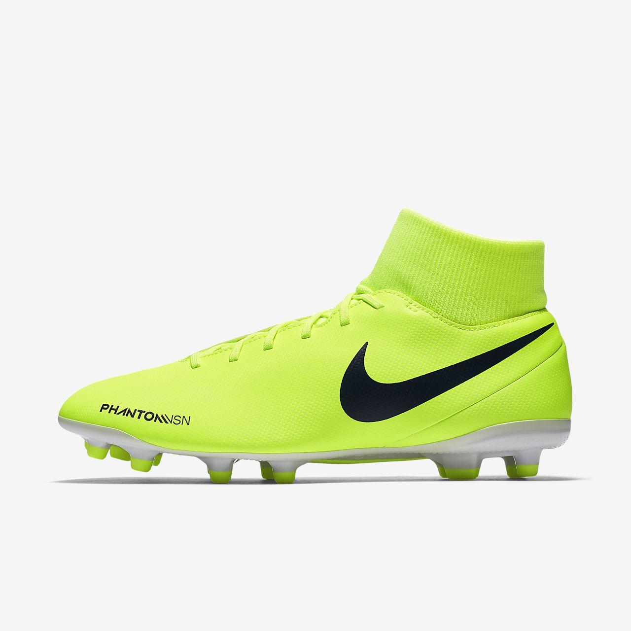Nike Phantom Vision Club Dynamic Fit Multi-Ground Football Shoe