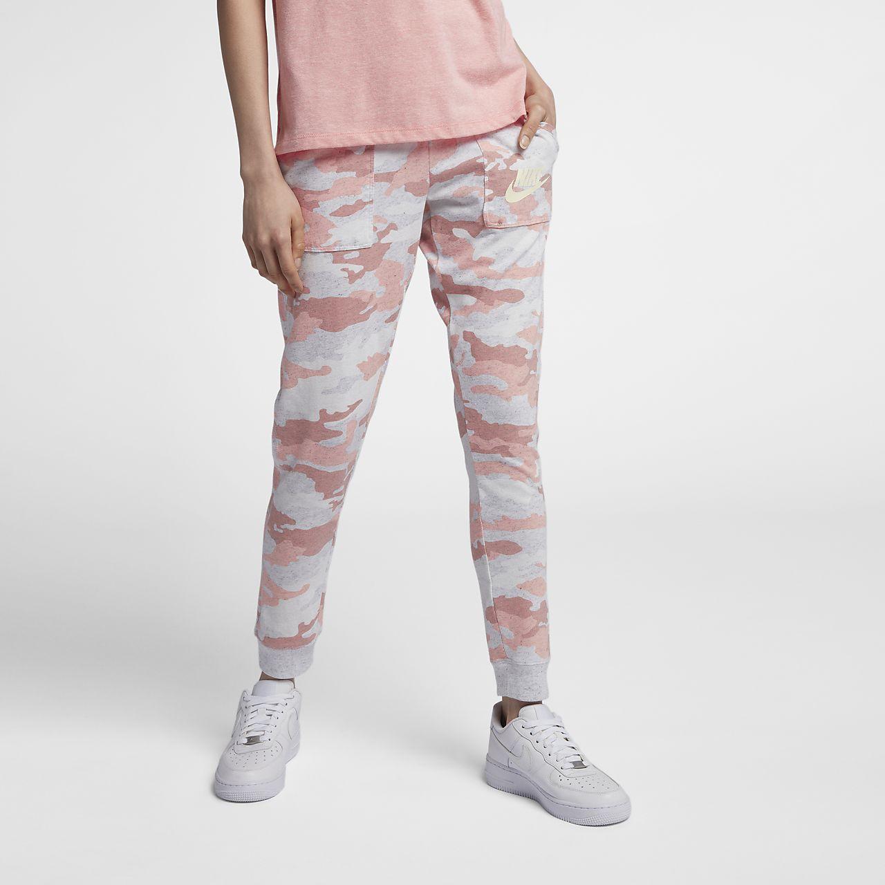 Pantalones de camuflaje para mujer Nike Sportswear Gym Vintage