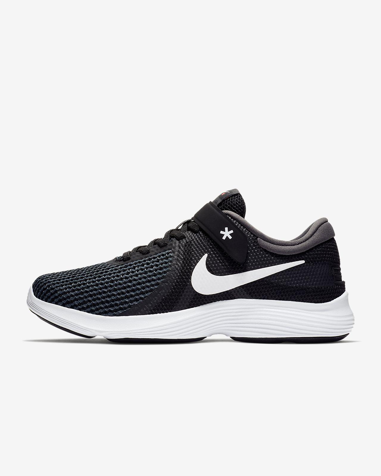 Nike Revolution 4 FlyEase Hardloopschoen voor dames