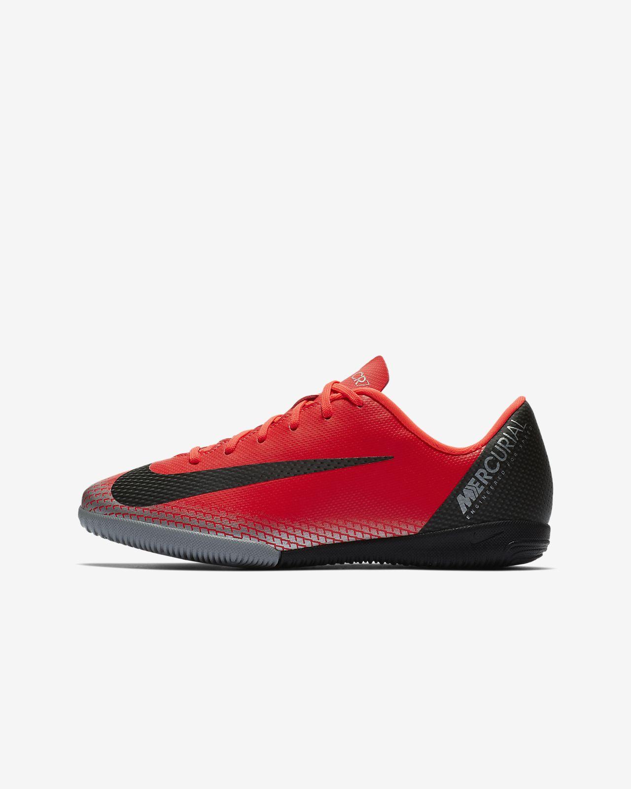 Calzado de fútbol para cancha cubierta para niños talla grande/pequeña Nike Jr. MercurialX Vapor XII Academy CR7