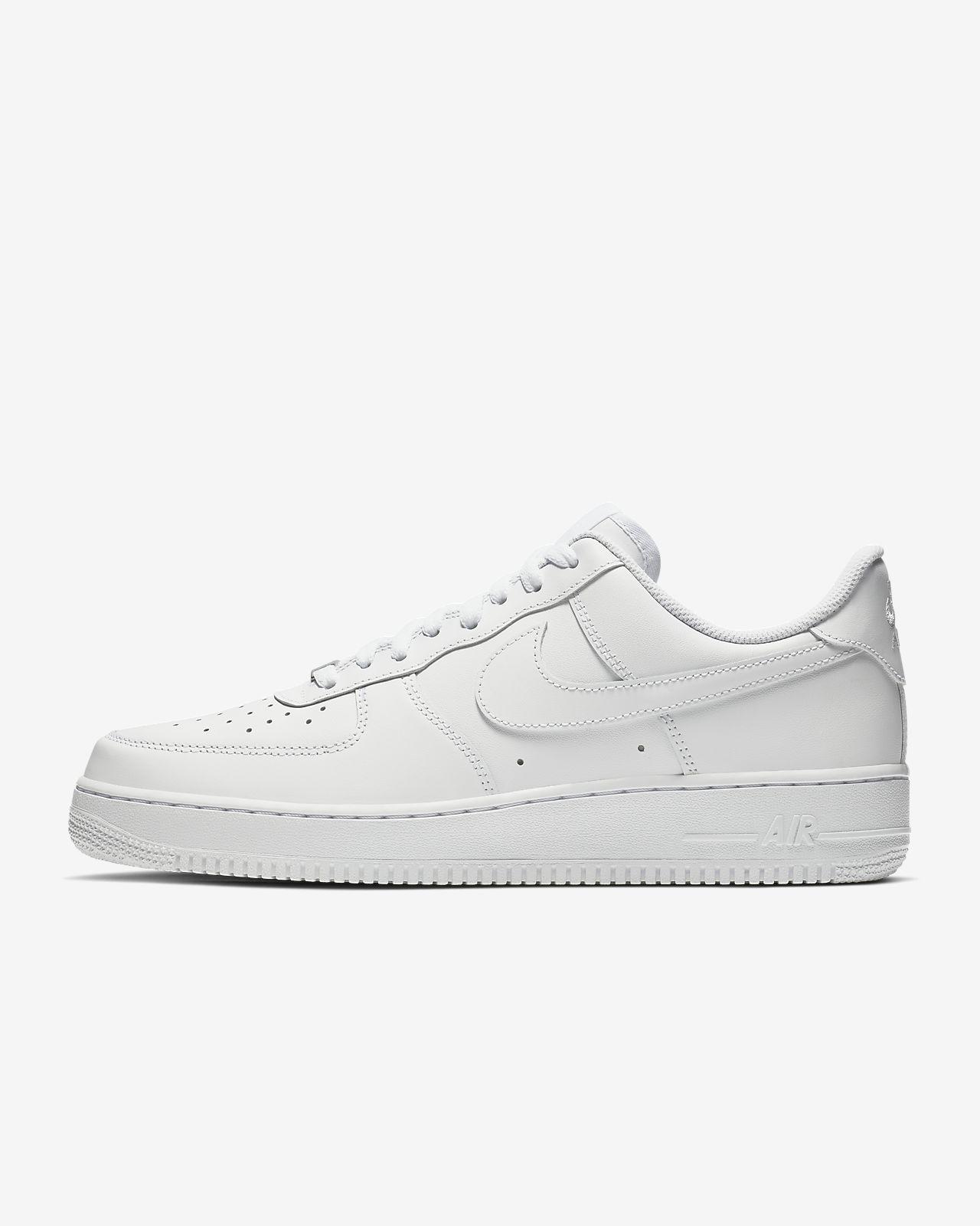 Sapatilhas Nike Air Force 1 '07 branco Triplo para homem