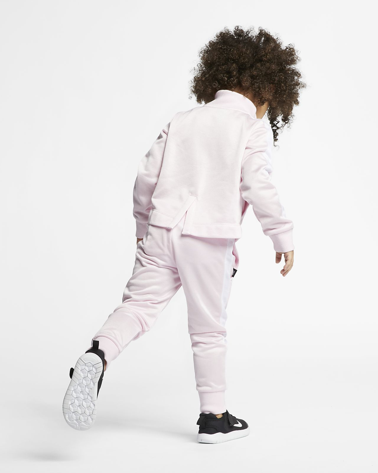 51c707245bd Nike Sportswear Toddler 2-Piece Set. Nike.com GB