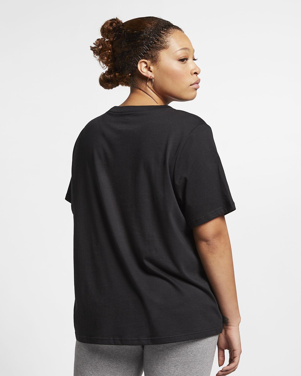 ab7882c5fa0d Tee-shirt Nike Sportswear Essential pour Femme (grande taille). Nike ...