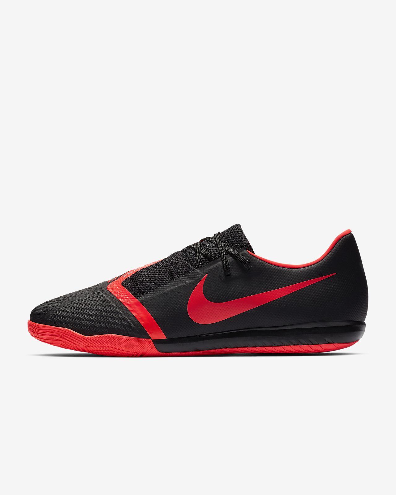 Nike Phantom Venom Academy IC Indoor/Court Soccer Cleat