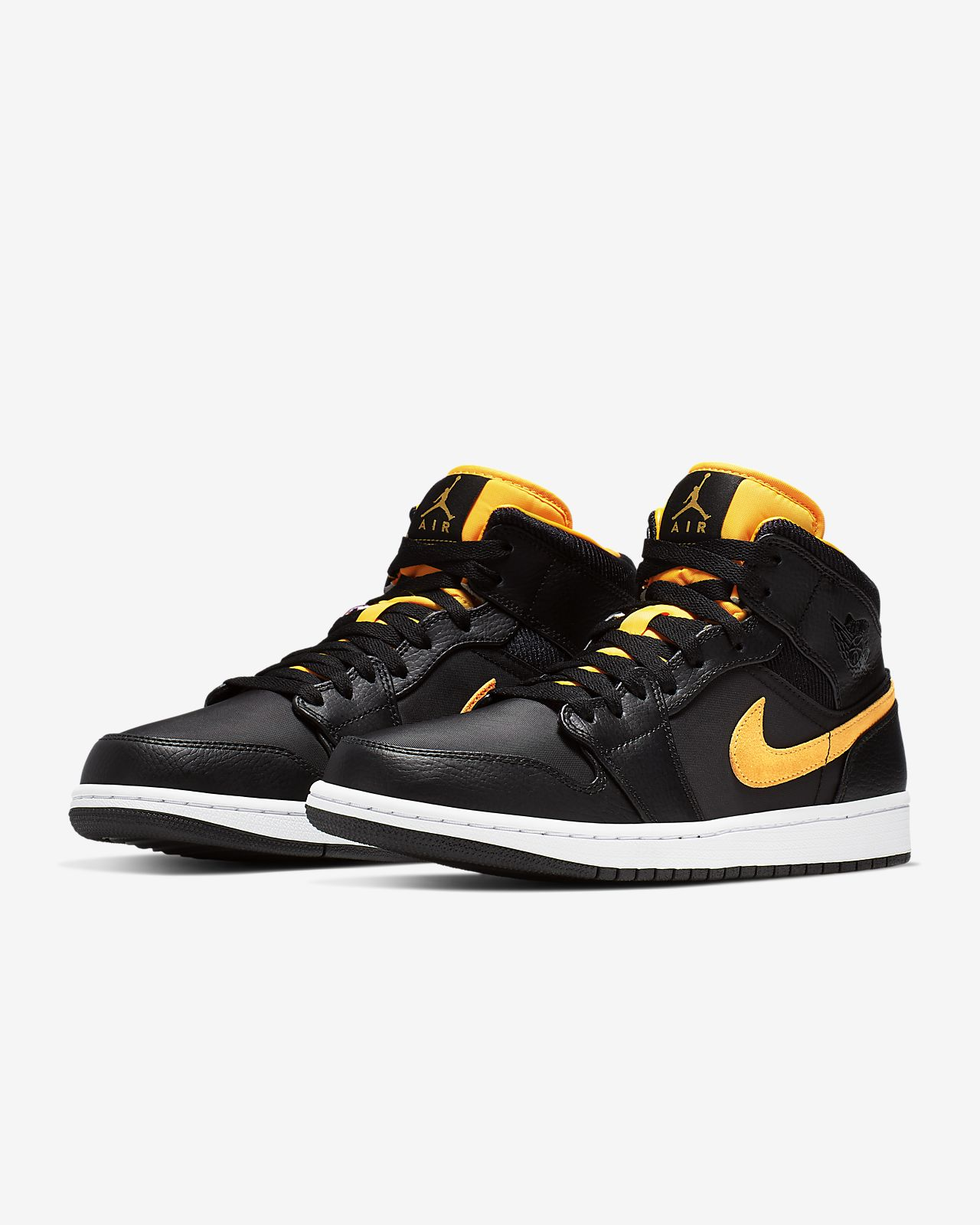 buy online 15bd9 8d35f Air Jordan 1 Mid SE Men's Shoe