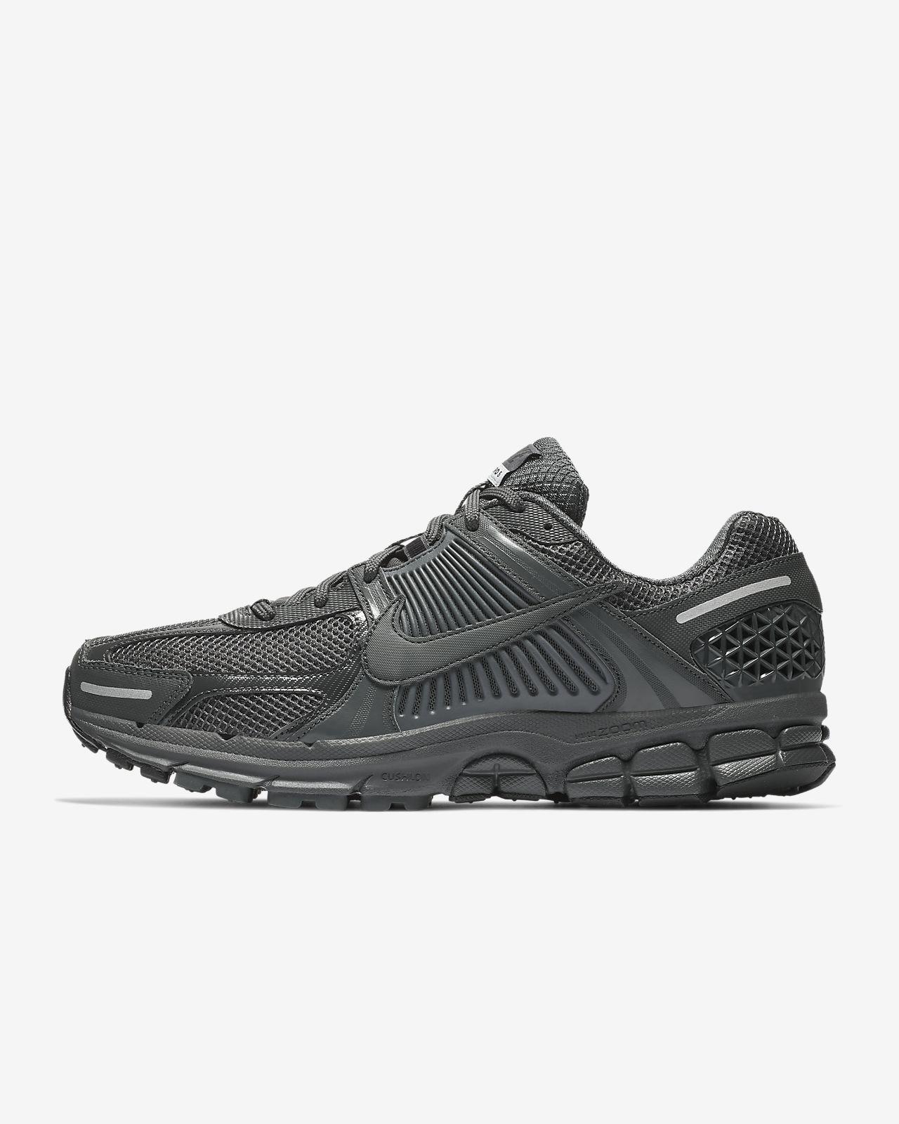 huge discount 3d151 b5ef5 Nike Zoom Vomero 5 SP
