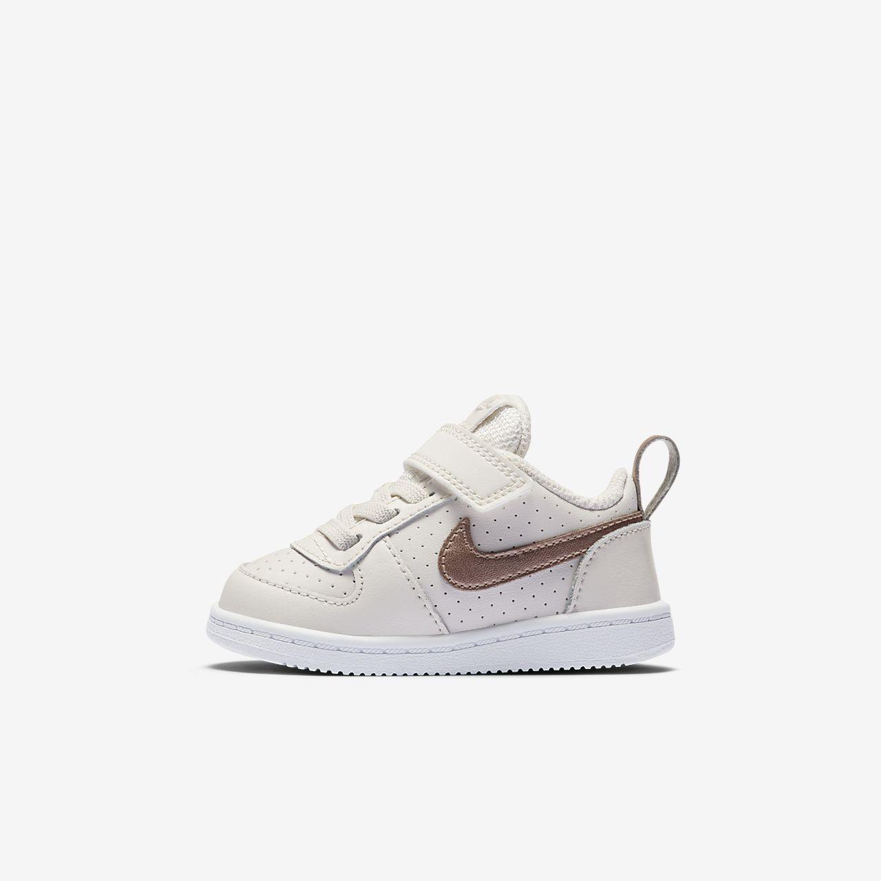 Low Petit Et Nikecourt Chaussure Bébé Enfant Borough Pour vg76fIYby