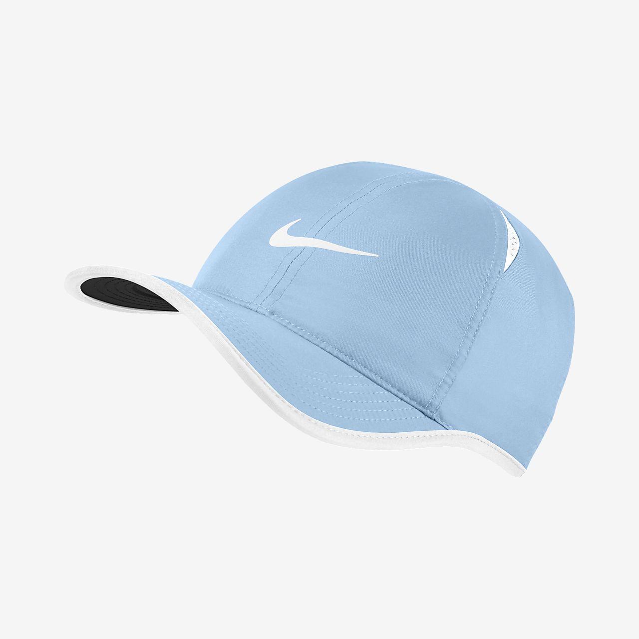 dc967c17bff NikeCourt AeroBill Featherlight Tennis Cap. Nike.com IE