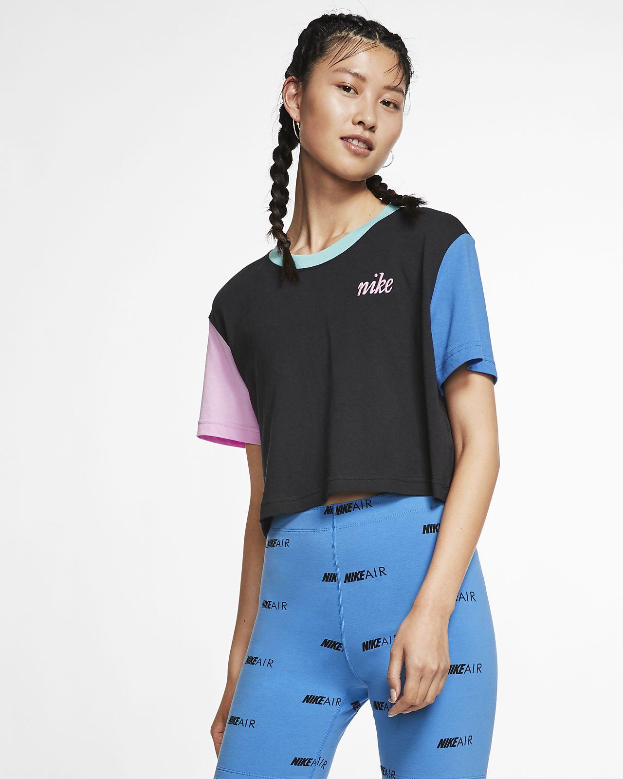 b6fb72d02c542 Nike Sportswear Women's Cropped T-Shirt