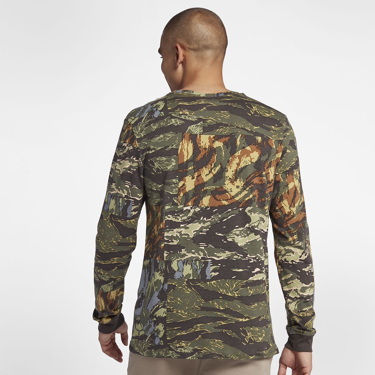 1a0ed4b1c Nike Sportswear Men's Printed T-Shirt. Nike.com