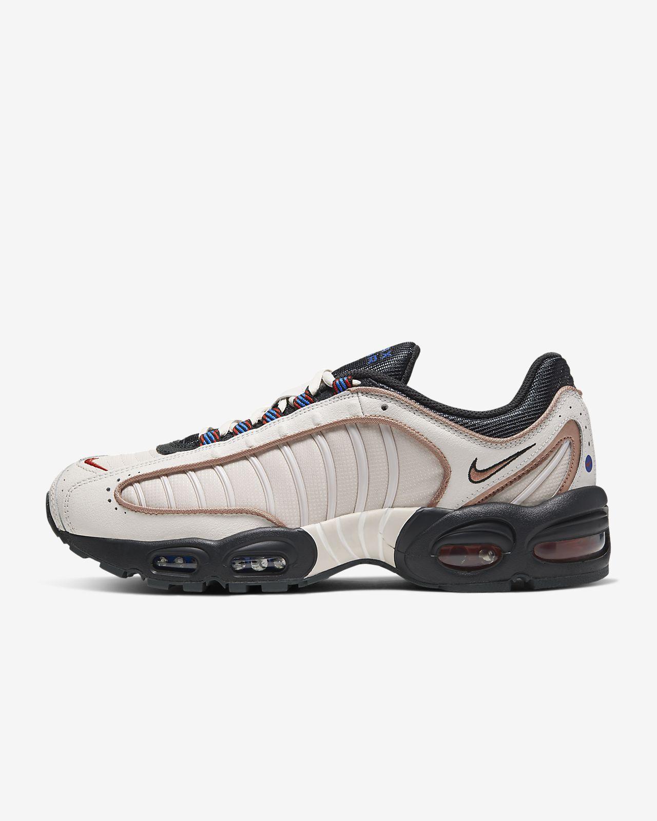รองเท้าผู้ชาย Nike Air Max Tailwind IV SE