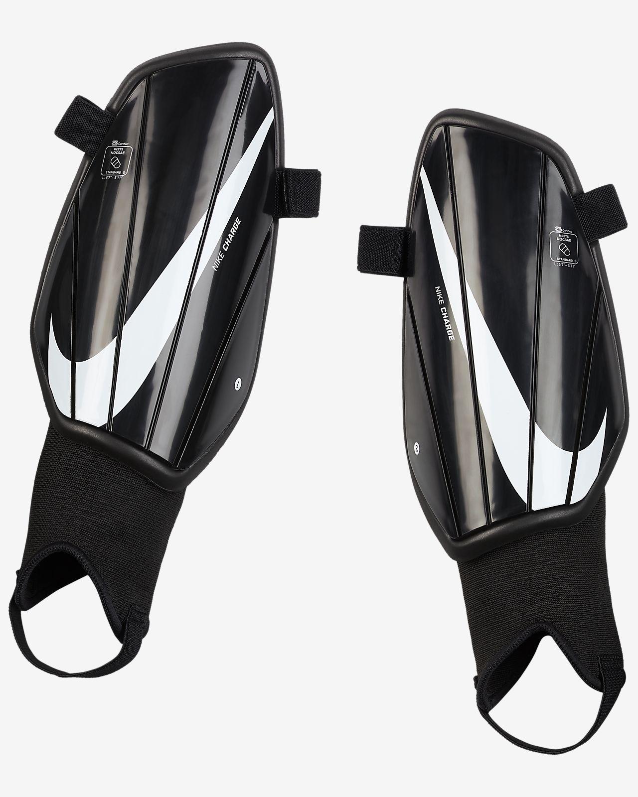 Parastinchi da calcio Nike Charge