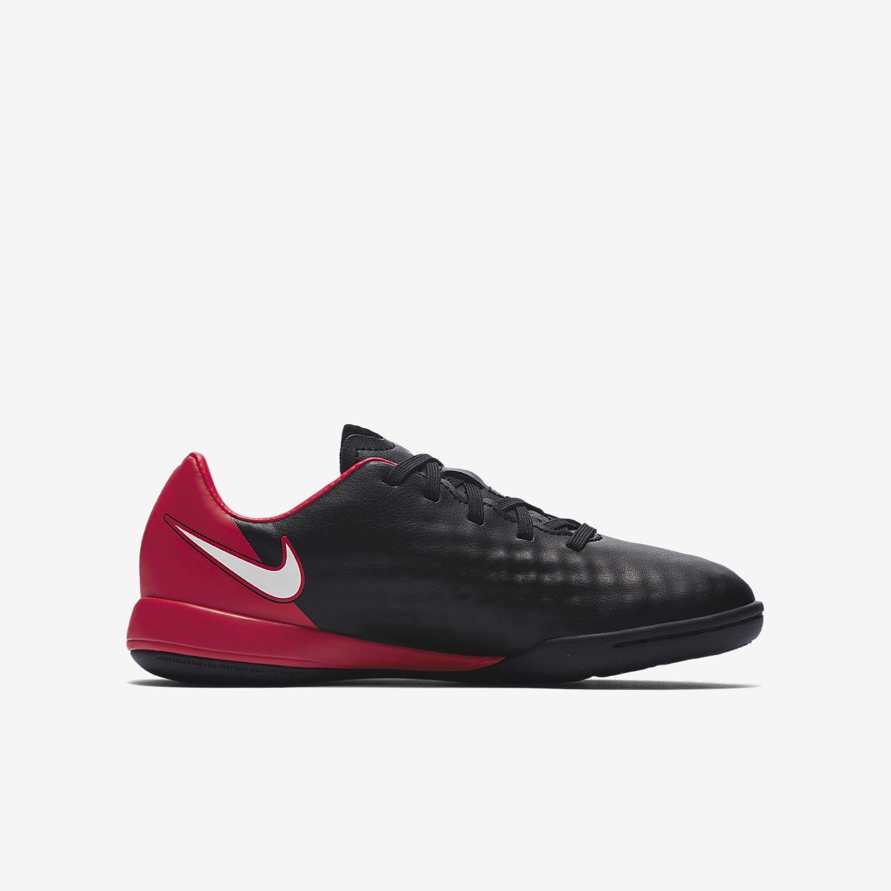 ... Nike Jr. MagistaX Onda II Older Kids' Indoor/Court Football Shoe
