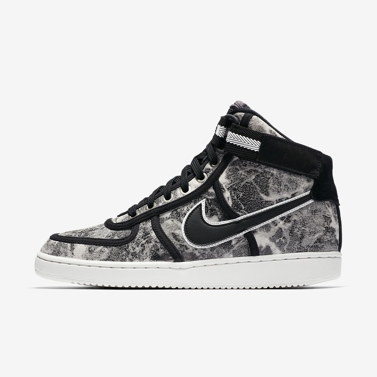 brand new b5228 bd71a Womens Shoe. Nike Vandal High LX