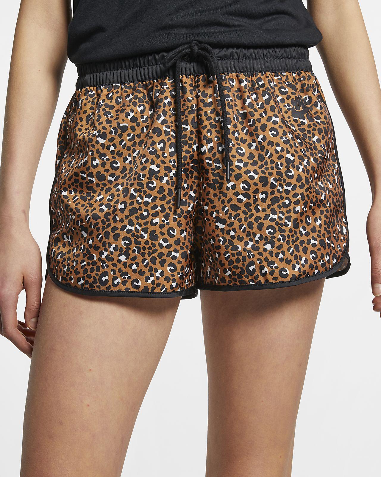 Nike Sportswear Animal Print Damenshorts aus Webmaterial