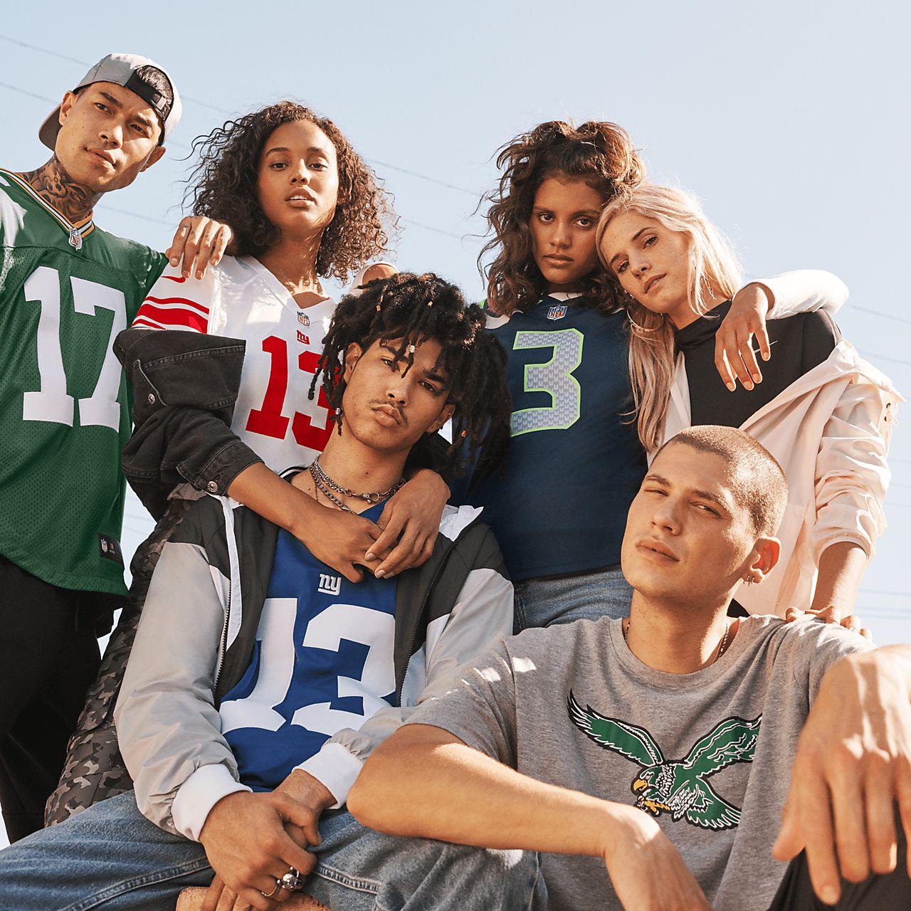 61478a6b4d1 ... NFL Seattle Seahawks Limited Vapor Untouchable (Russell Wilson) Women's  Football Jersey