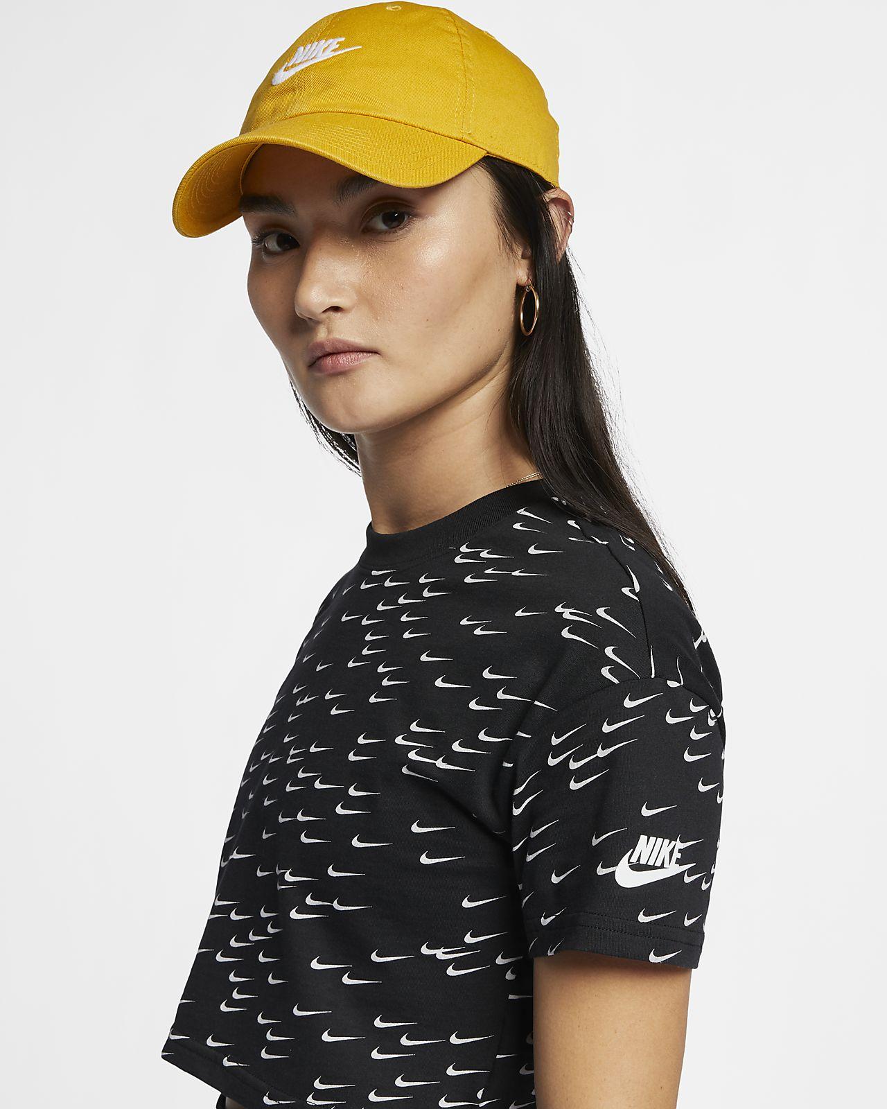 a2b39e9575e8 Haut court à manches courtes Nike Sportswear Essential pour Femme ...