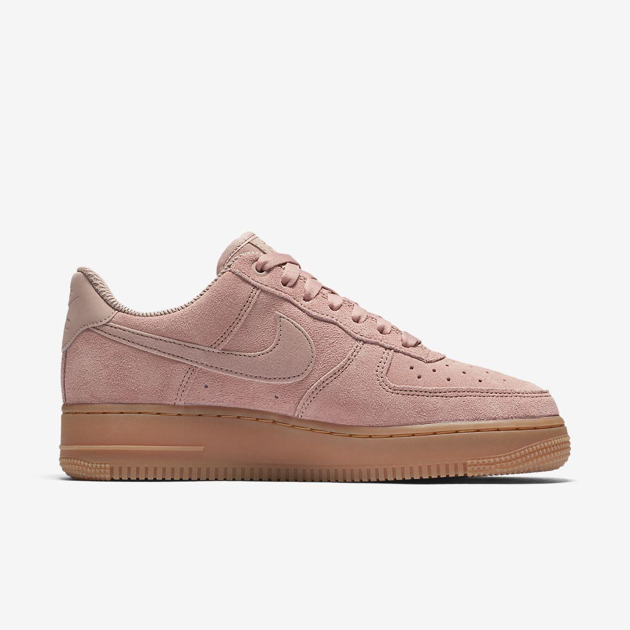 ... Nike Air Force 1 '07 SE 女鞋