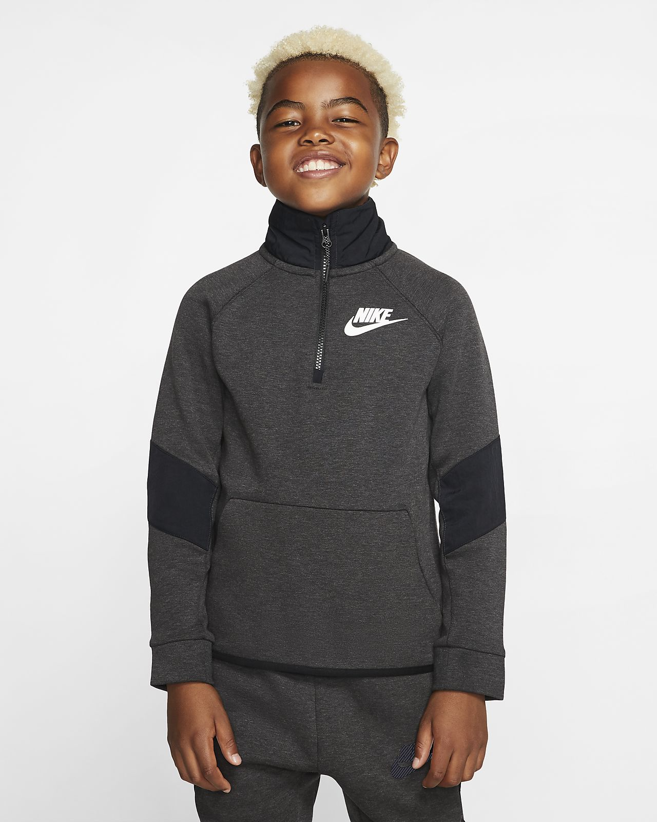 Nike Sportswear Tech Fleece Older Kids' Long-Sleeve Top