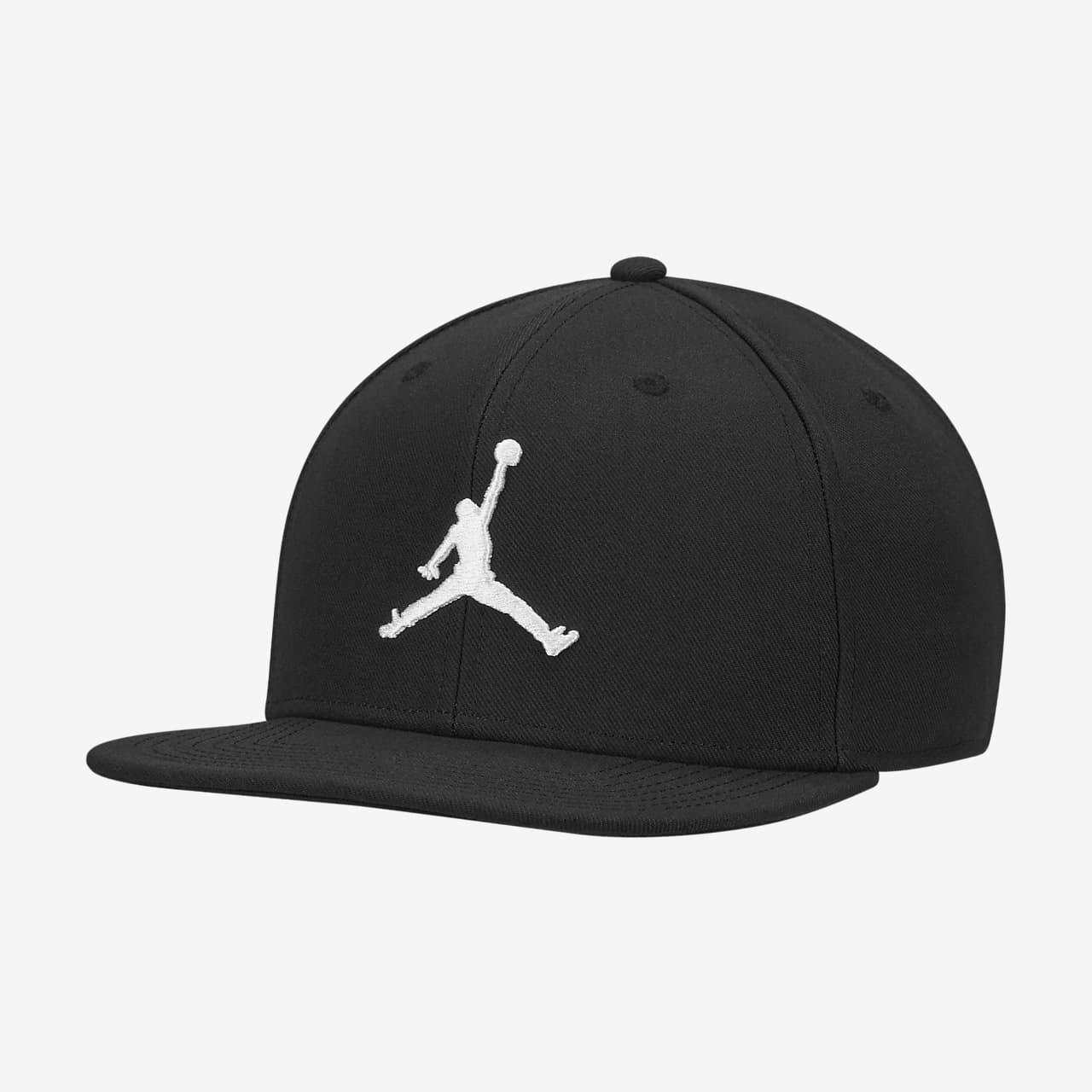 Jordan Pro Jumpman Snapback Hat. Nike.com GB c759b6d033a