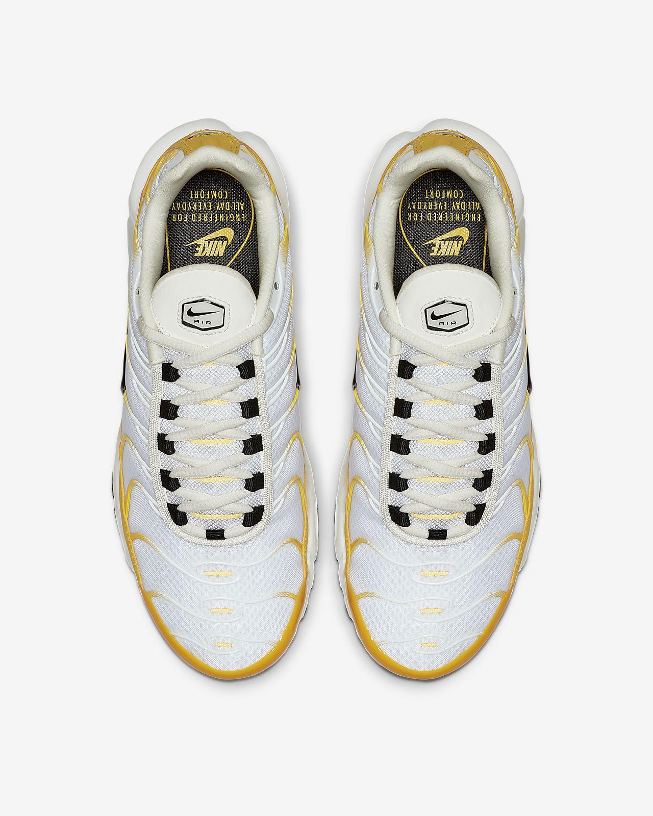 huge selection of e2ff3 91863 Nike Air Max Plus Women's Shoe