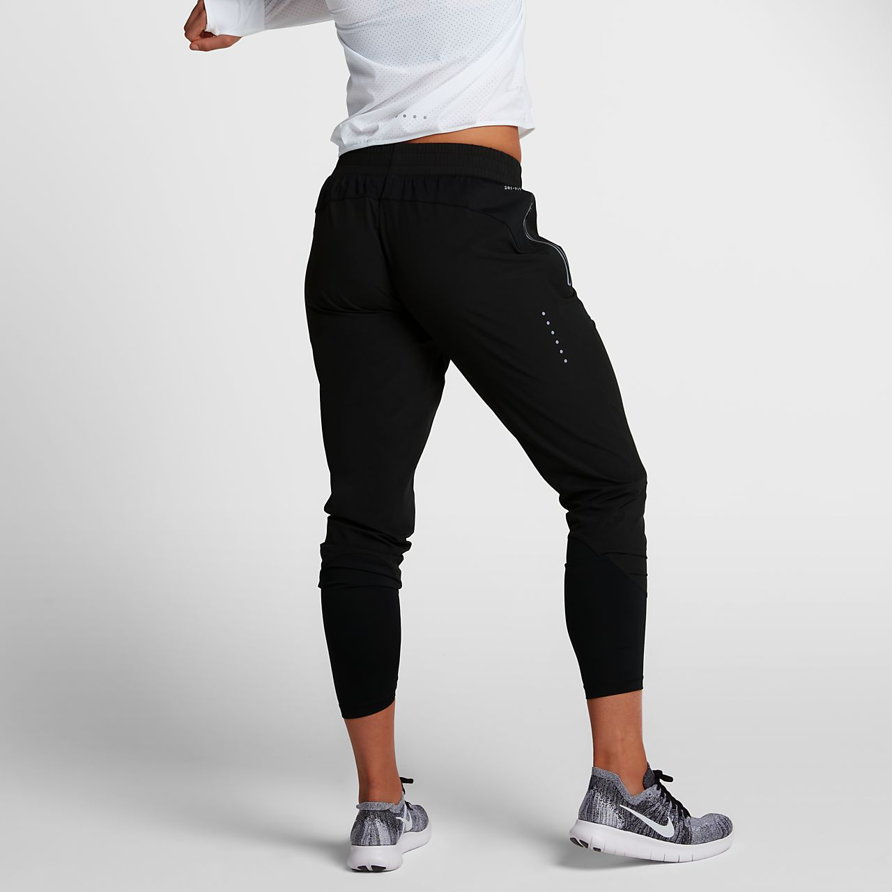 What are the best women's compression pants, tights and leggings? There is a large selection of women's compression pants available. Compression Wearables has conveniently listed some of the top compression pants for women below that are suitable for most uses.