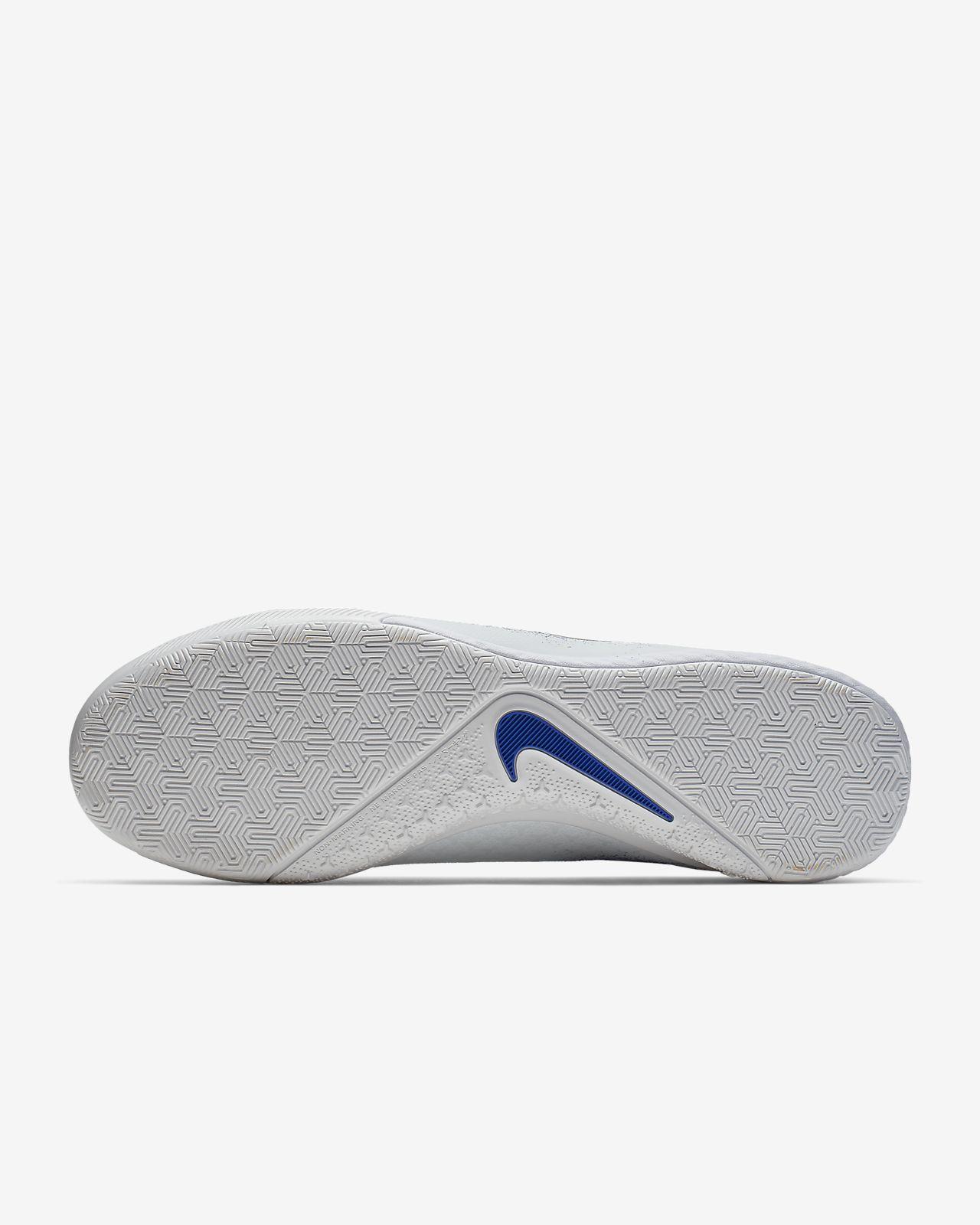 ea45fc4d9ba ... Nike React Phantom Vision Pro Dynamic Fit IC Indoor Court Football Boot