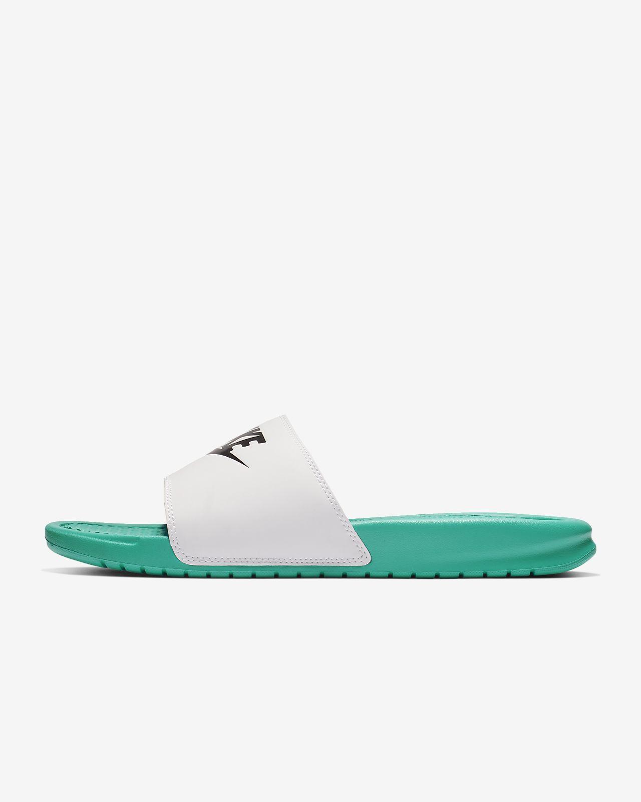 wholesale dealer e5f16 ea434 Low Resolution Claquette Nike Benassi Claquette Nike Benassi