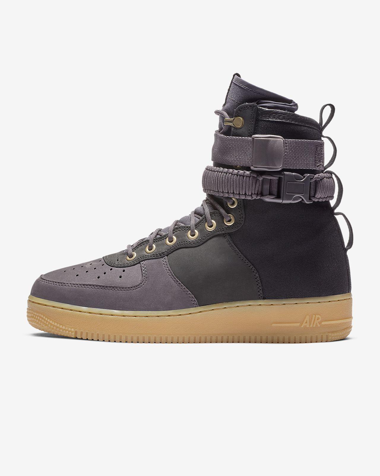 taille 40 2b618 e6784 Nike SF Air Force 1 Premium Men's Shoe