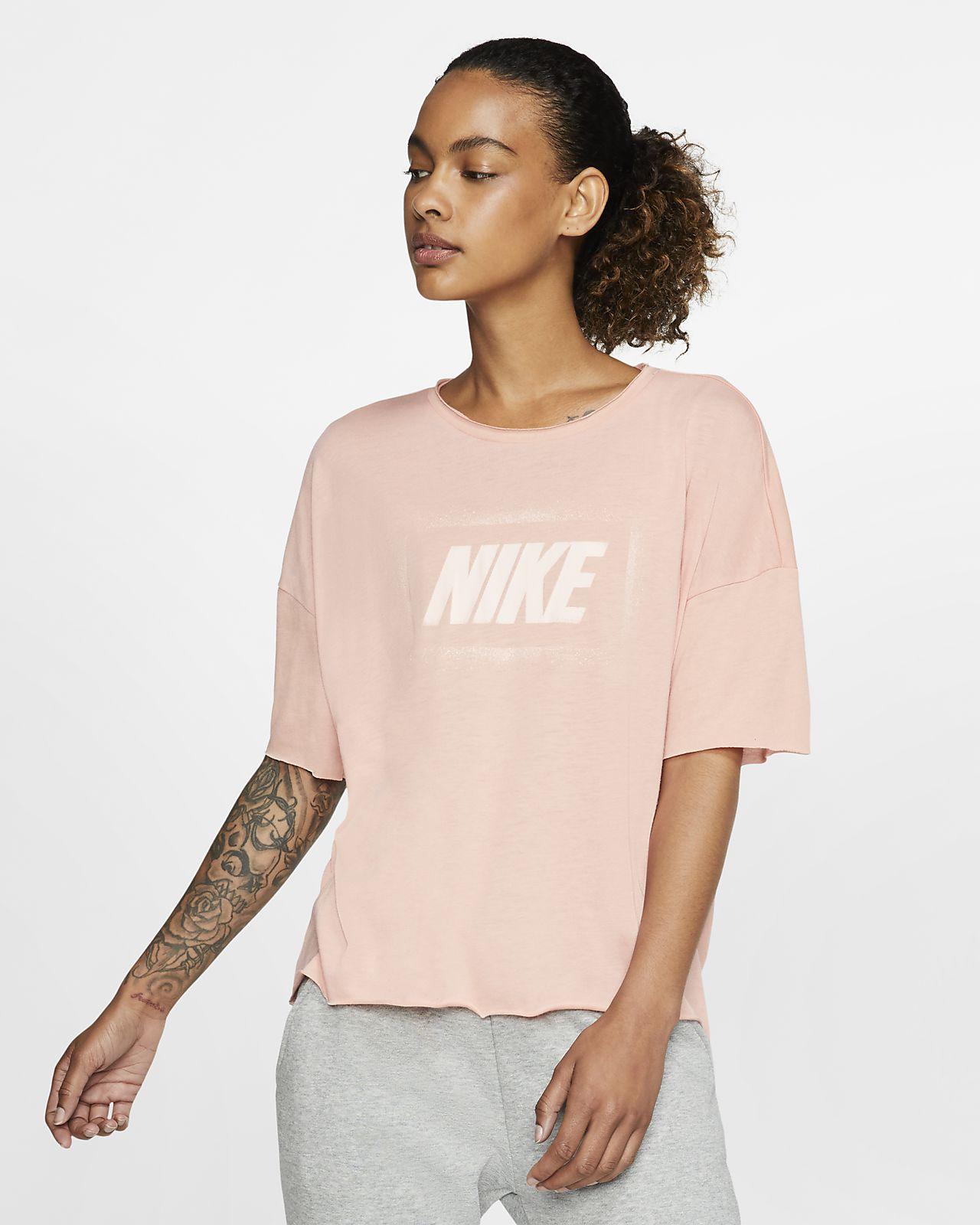Top de entrenamiento estampado de manga corta para mujer Nike Dri-FIT