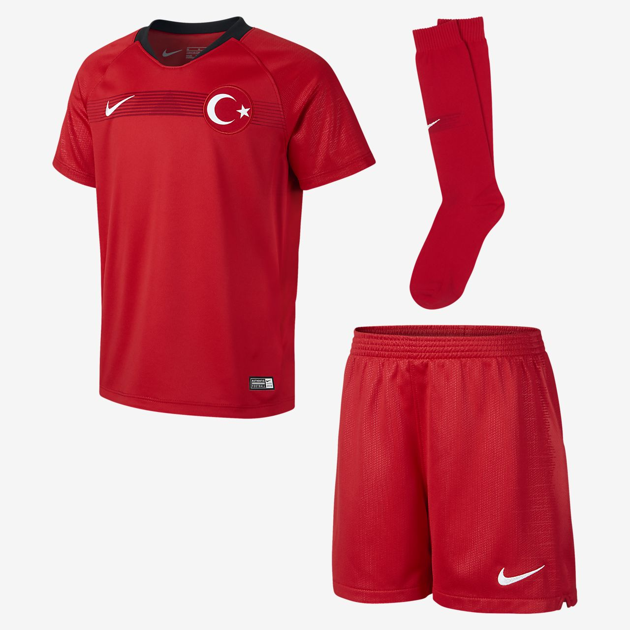 9b766aecb0fc6 Strój piłkarski dla małych dzieci 2018 Turkey Stadium Home. Nike.com PL