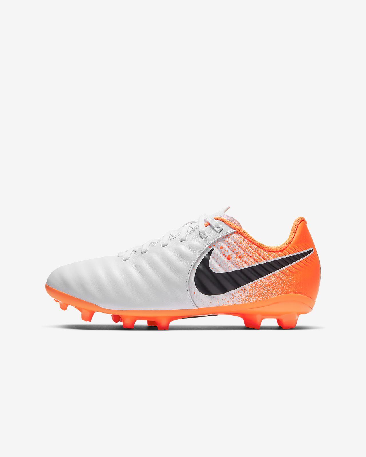 Nike Jr. Legend 7 Academy FG-fodboldstøvle til små/store børn (fast underlag)