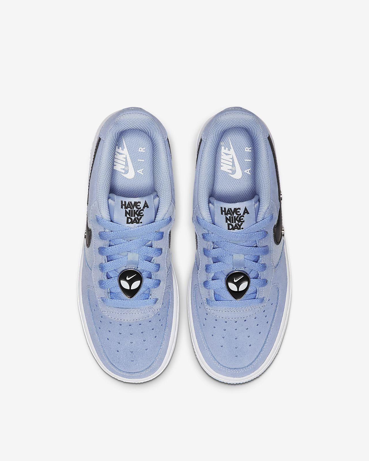 brand new 67a13 9cb51 Nike Air Force 1 LV8 Older Kids' Shoe. Nike.com GB