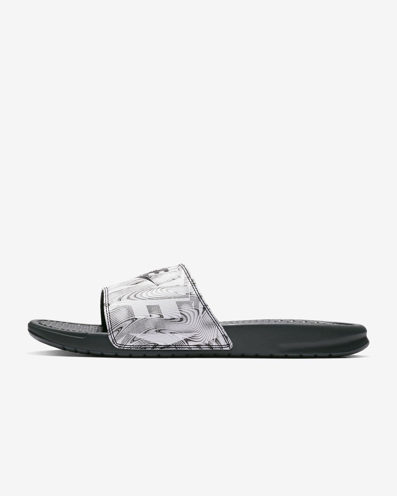 check out 1f361 68172 ... Claquette Nike Benassi JDI Printed pour Homme
