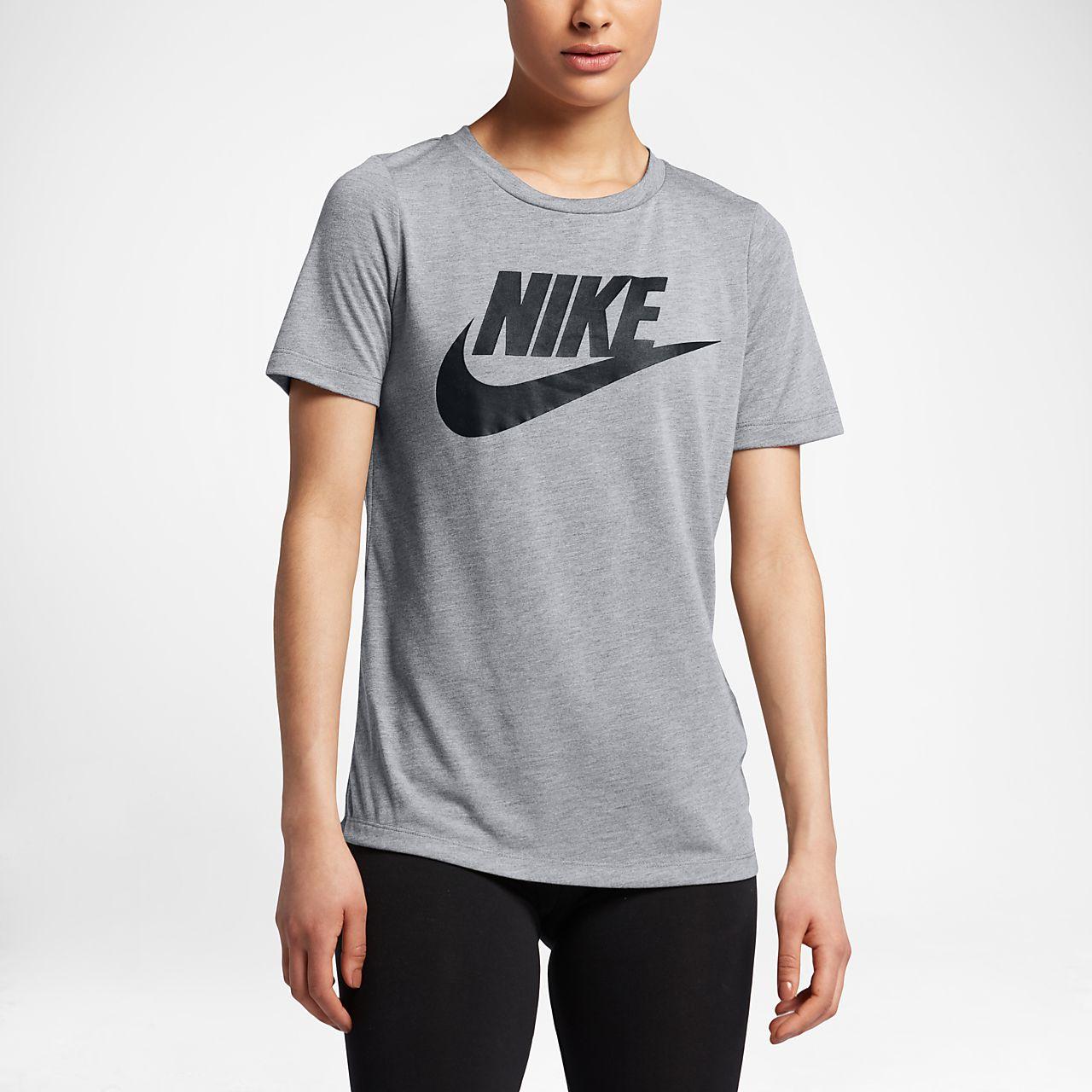 Top a manica corta con logo Nike Sportswear Essential Donna