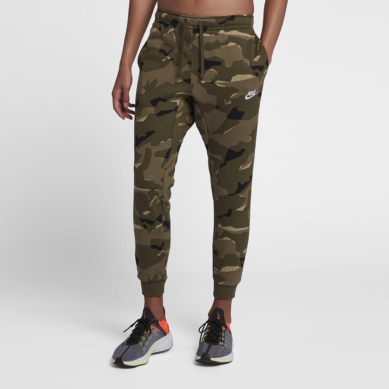 b540eb412384c Nike Sportswear Club Men's Camo Fleece Joggers. Nike.com IN