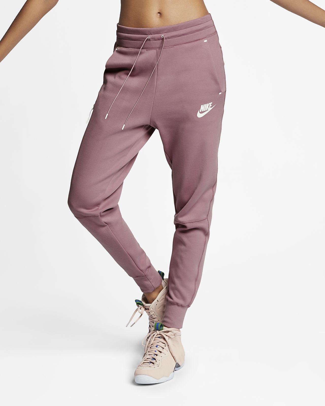 Byxor Nike Sportswear Tech Fleece för kvinnor