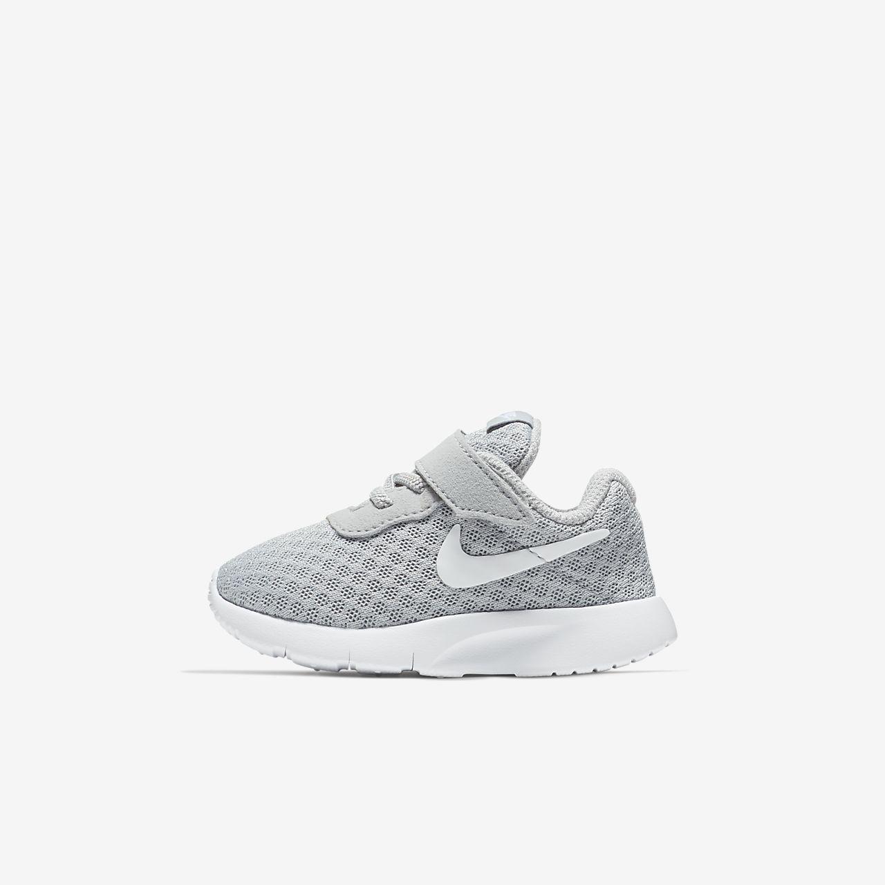 chaussure nike enfant 27