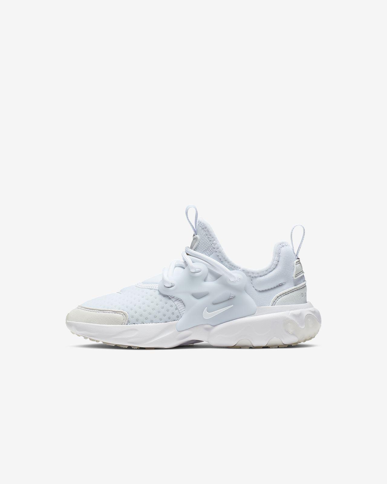 chaussure enfant garcon nike 23
