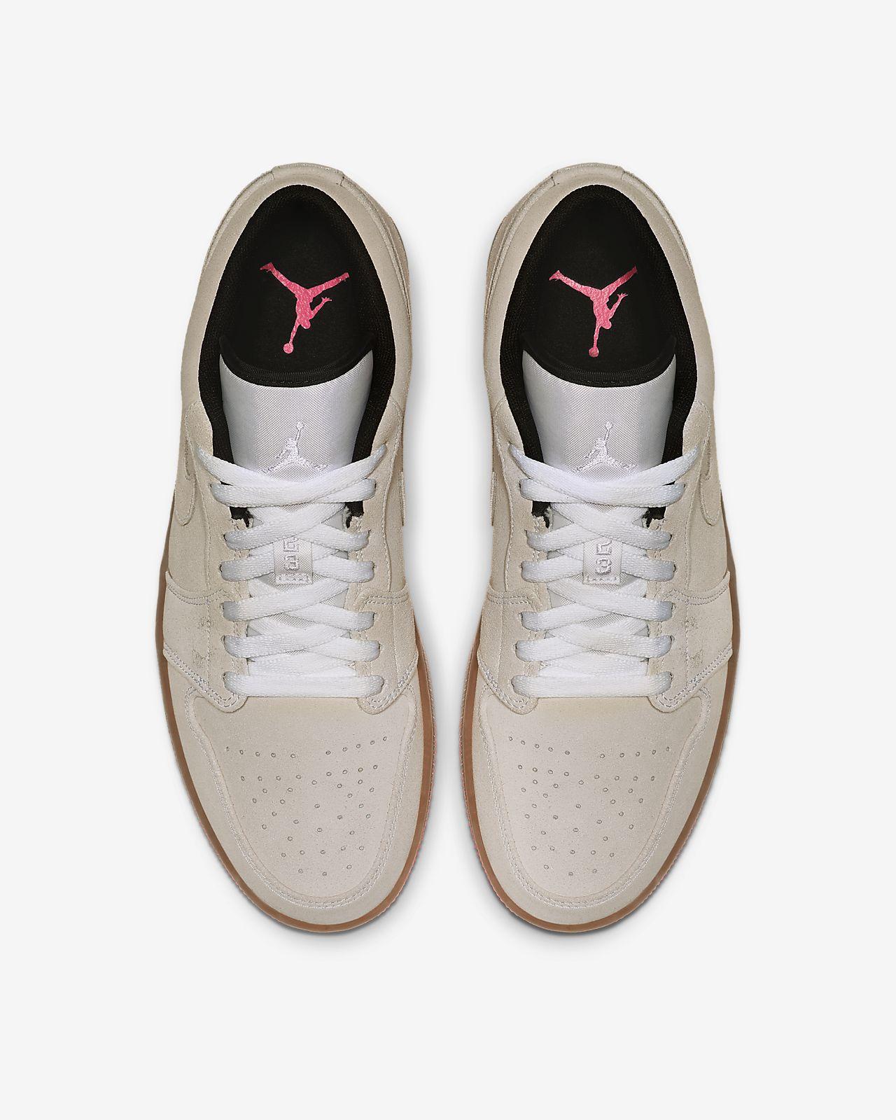 192226450c4bd1 Air Jordan 1 Low Men s Shoe. Nike.com GB