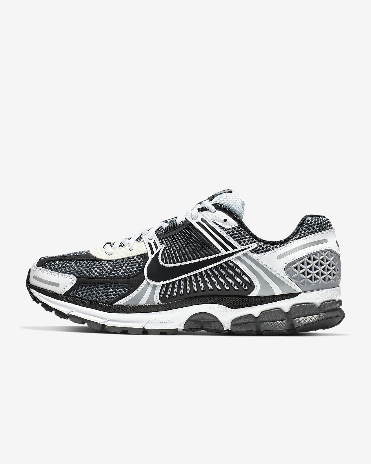 Nike Zoom Vomero 5 SE SP Erkek Ayakkabısı