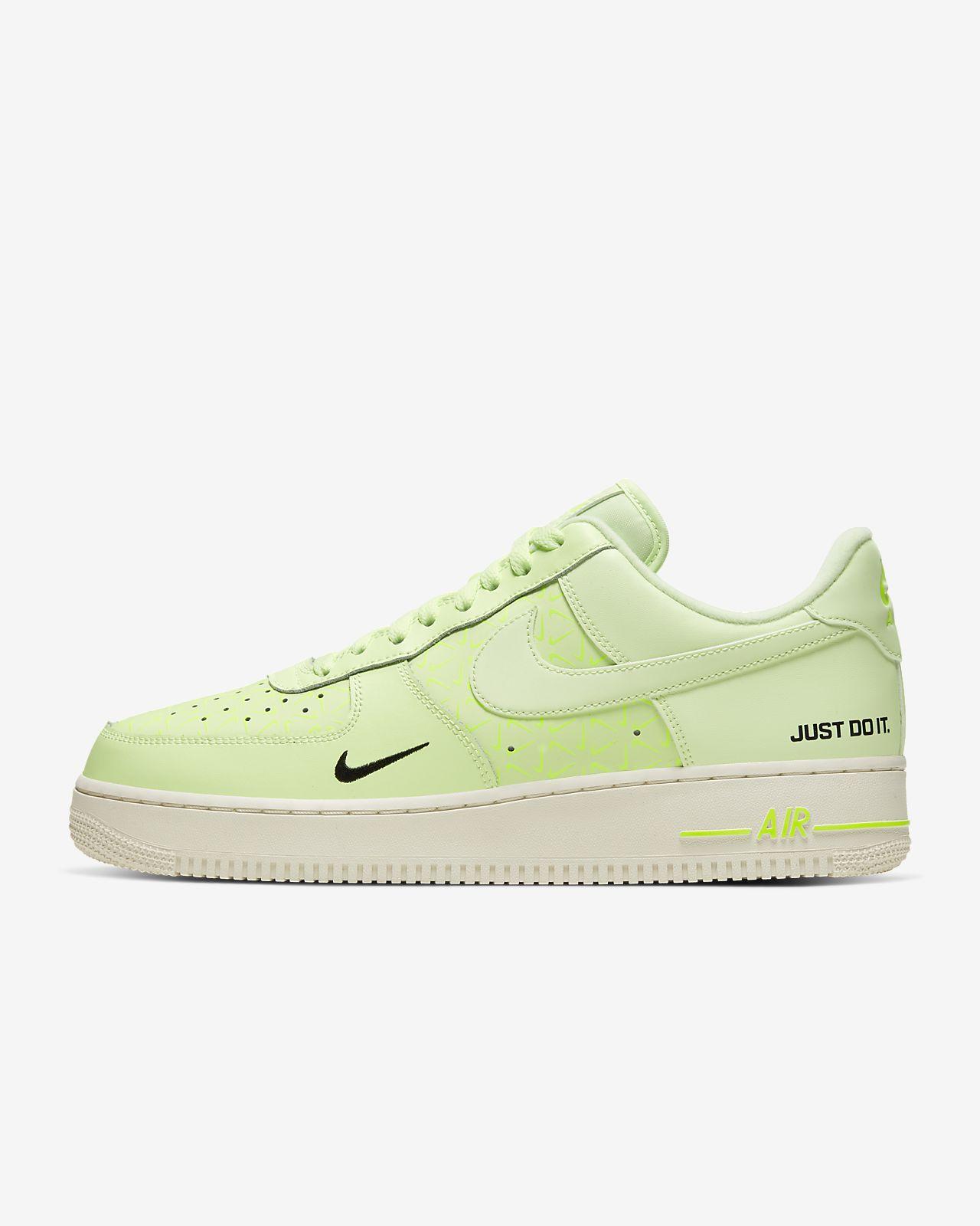 Pánská bota Nike Air Force 1 LV8