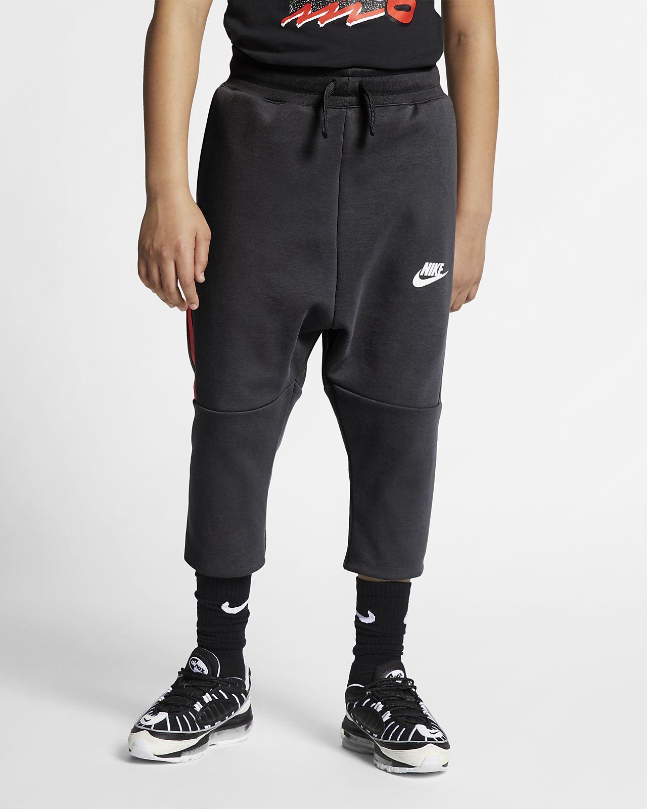 Παντελόνι σε πιο κοντό μήκος Nike Sportswear Tech Fleece για μεγάλα παιδιά
