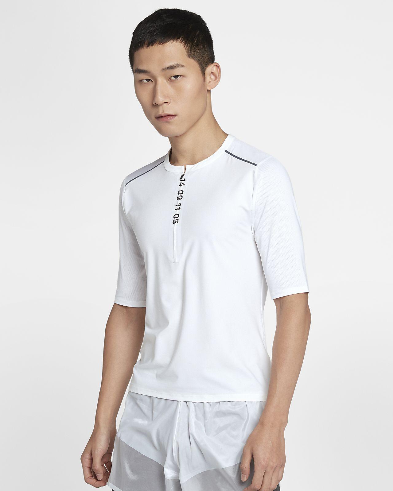 เสื้อวิ่งแขนสั้นซิปสั้นผู้ชาย Nike Tech
